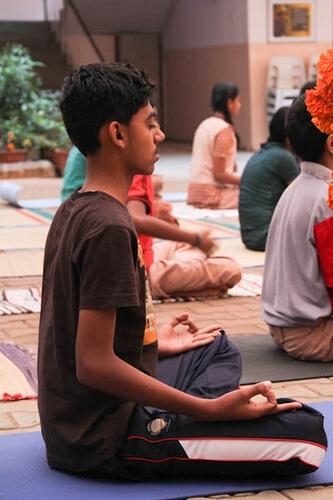 12bala-meditation01